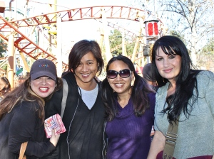 Lala, Marcie, MaryAnne, Stacey at Knotts